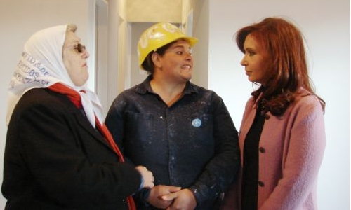 La compañera Cristina Fernández junto a Hebe de Bonafini.