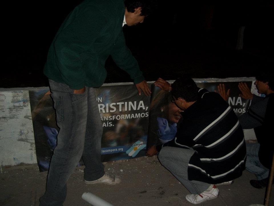 Pegatina en Santiago del Estero