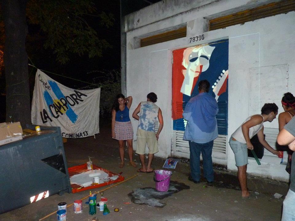Mural colectivo en homenaje a Spinetta