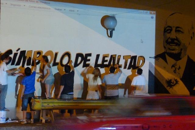 Mural homenaje 01