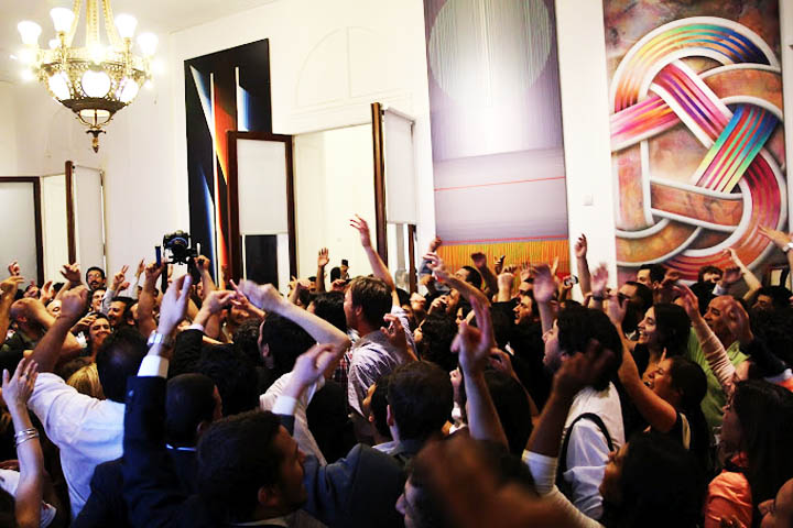 """""""YPF es de todos"""", anuncio de la expropiación de la empresa YPF a la española REPSOL, en un 51% de sus acciones, 16 de Abril de 2012"""