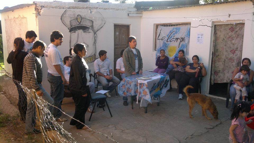 Charlas en los barrios sobre YPF