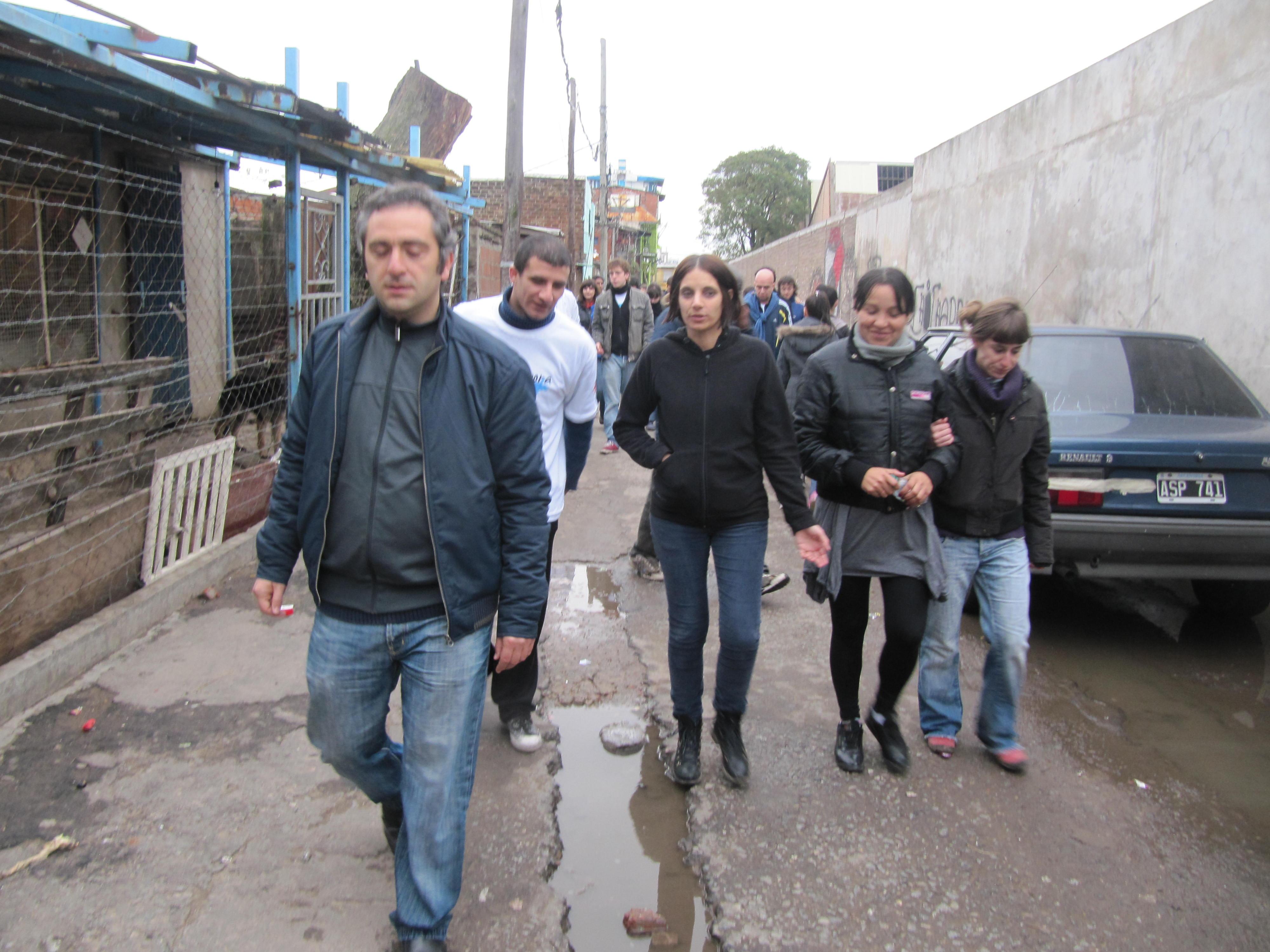 Jornada solidaria de la FES en una escuela de la Villa 21 24