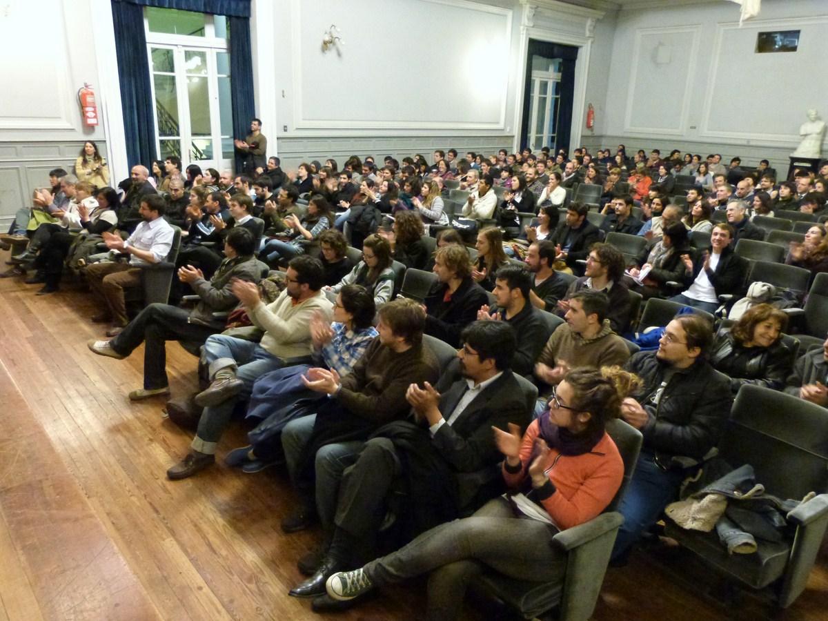 Charla sobre economía en La PlataCharla sobre economía en La Plata