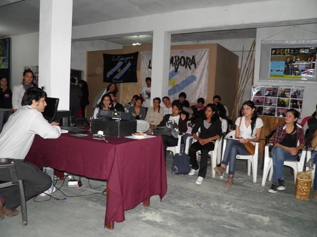 Formosa charla de juventud