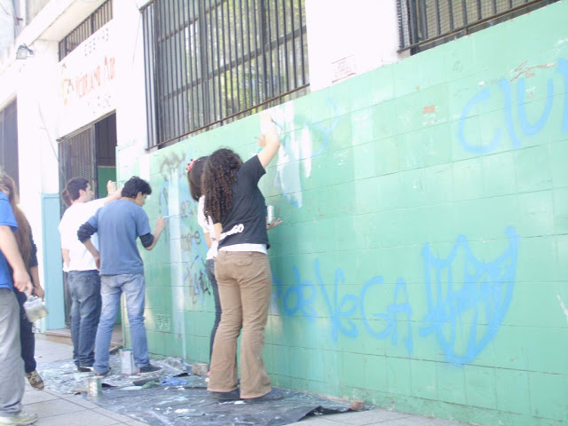 Pintando la Escuela Nº6 de Tres de Febrero