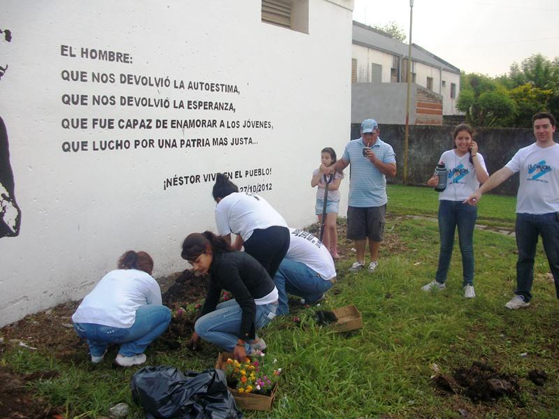 Curuzu Plaza y mural homenaje