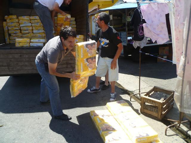 Recibiendo donaciones en Avellaneda