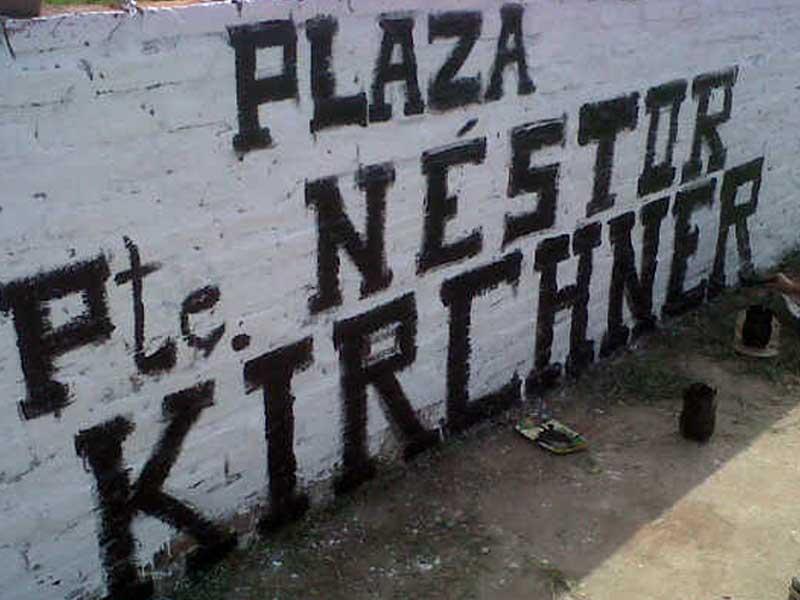 Refaccionando la nueva placita Néstor Kirchner
