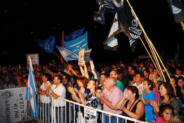 La democracia vistió de festejo Bahía Blanca-1