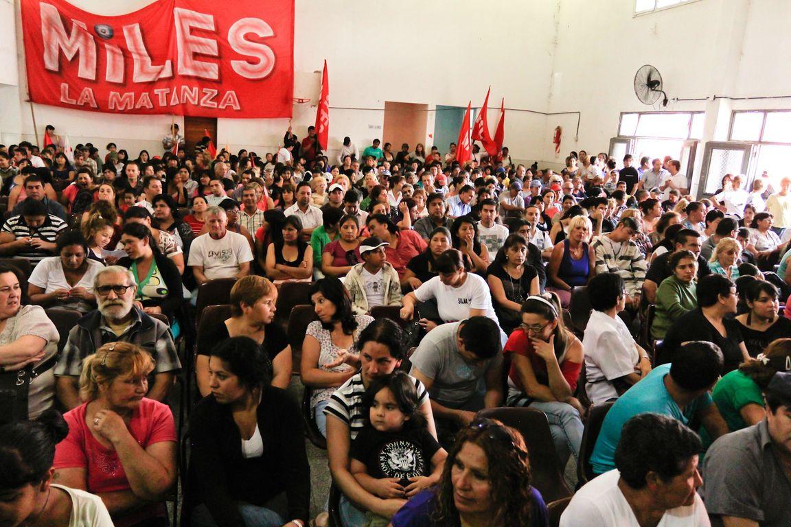 Entrega de certificados de posesión en Virrey del Pino