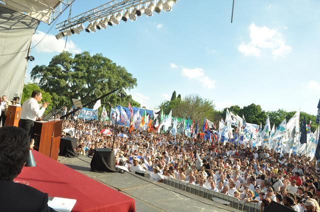 La militancia junto a Rafael Correa