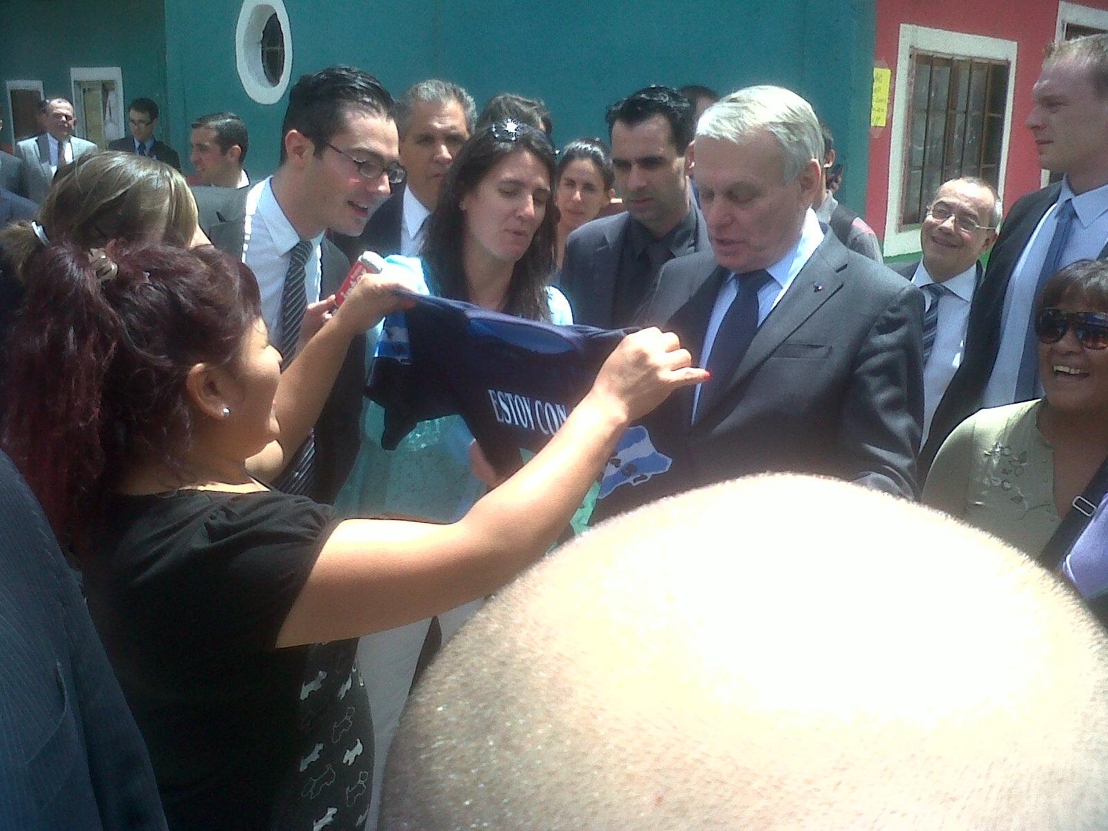 El Primer Ministro francés visitó la Villa 31