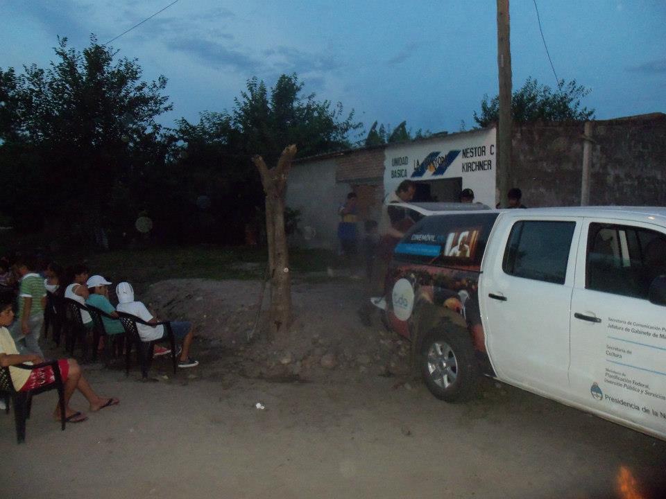 Tucumán: Cine móvil en Villa Quinteros