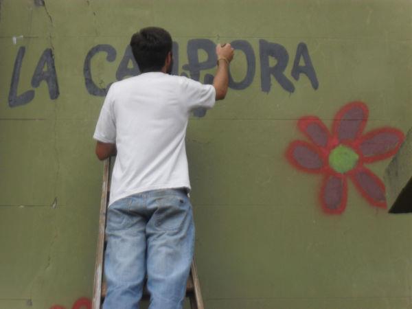 Trabajando junto a los vecinos en el barrio Agüero