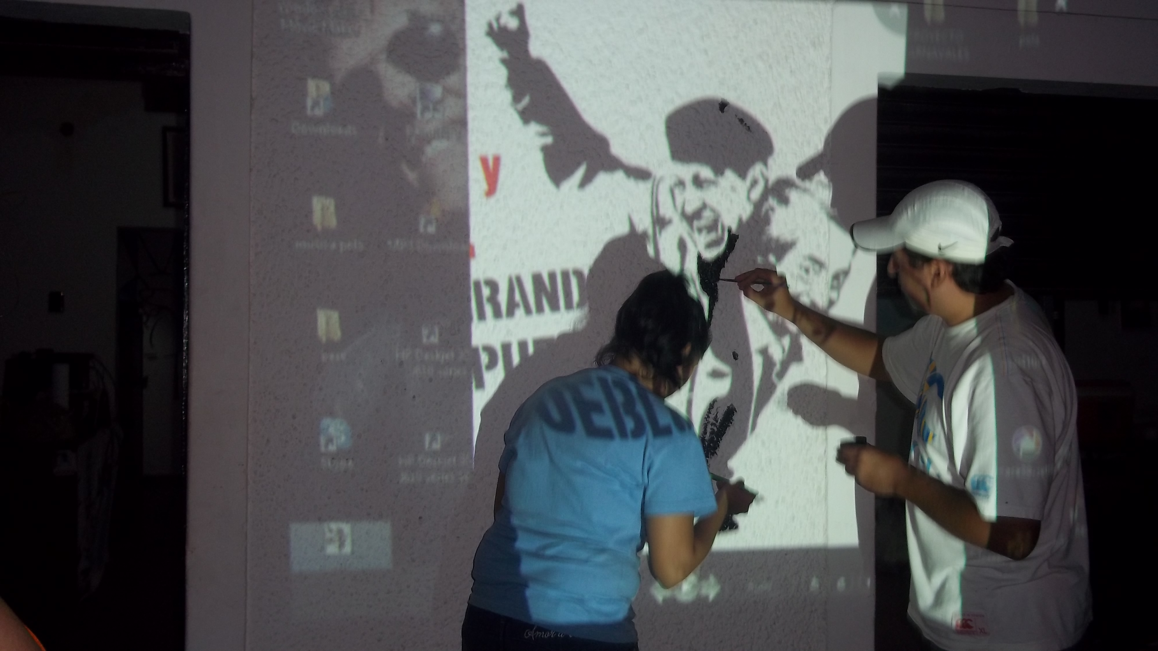 Homenaje a Néstor y Chávez: murales en todo el país
