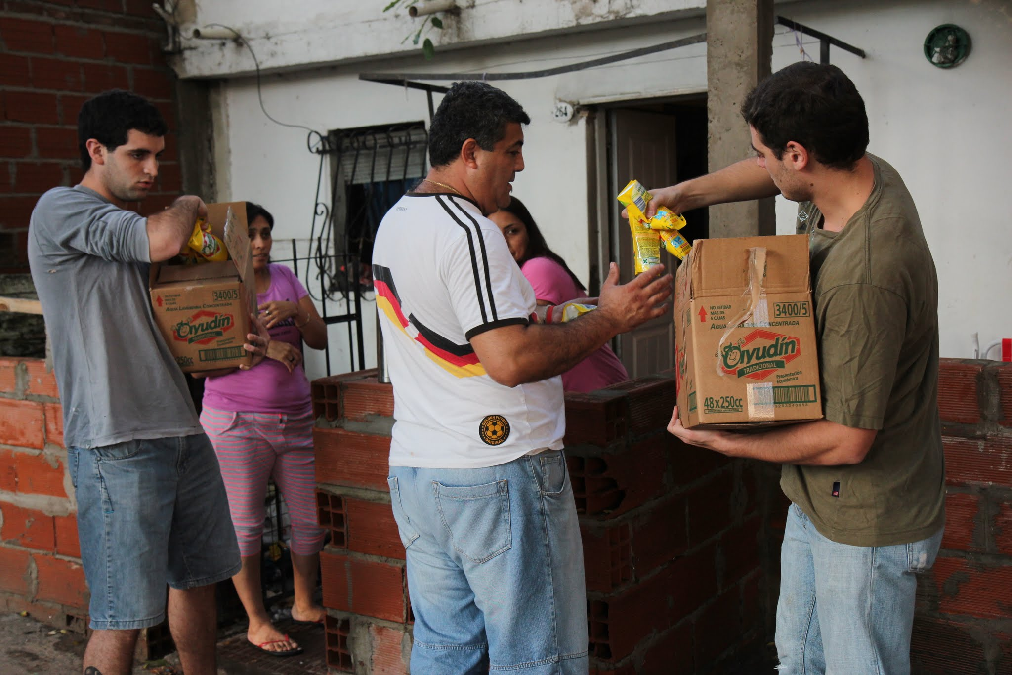 Solidaridad en el Barrio Mitre