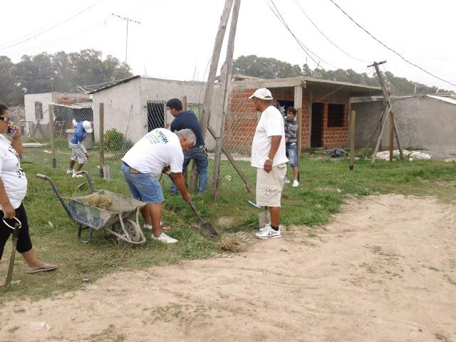Jornada de limpieza en el barrio 25 de Mayo de José C. Paz