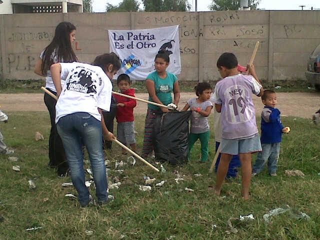 Jornada de limpieza en el barrio Las Mellizas de San Nicolás