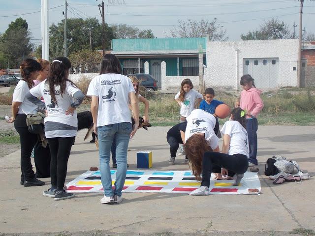 Jornada recreativa en el barrio Loma Paraguaya de Bahía Blanca
