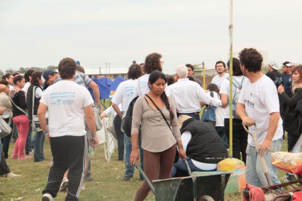 Jornada de limpieza en 5 y 493, La Plata