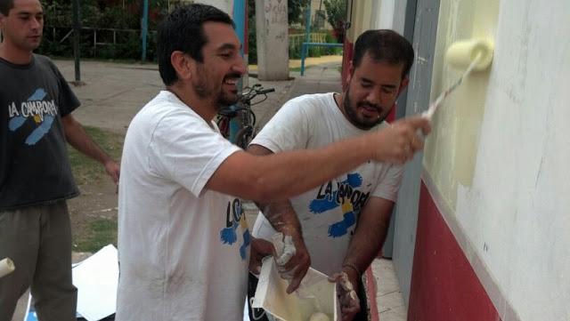 Pintando el comedor Las Manitos de San Martín
