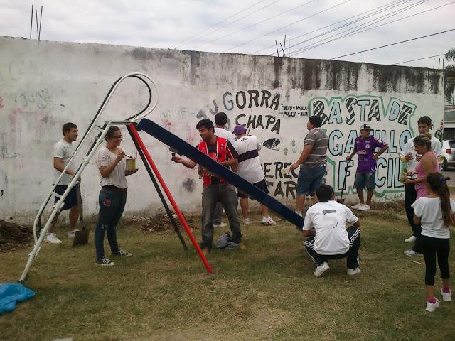 Reacondicionamiento de una plaza y pintada de mural en el barrio Lubo de Campana
