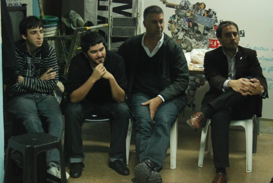 Juan Cabandié visitó a vecinos y militantes de Caballito