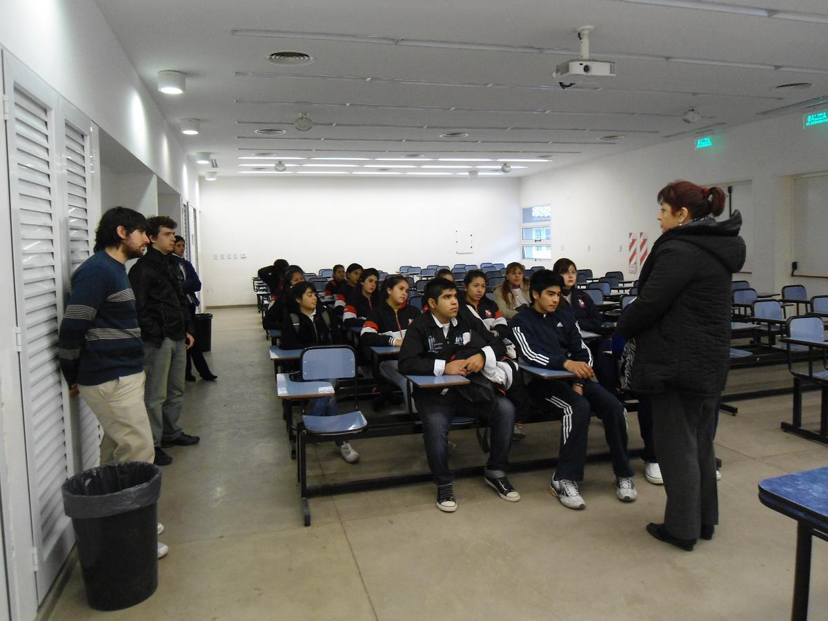 Tucumán: Los secundarios recorren la Universidad Nacional