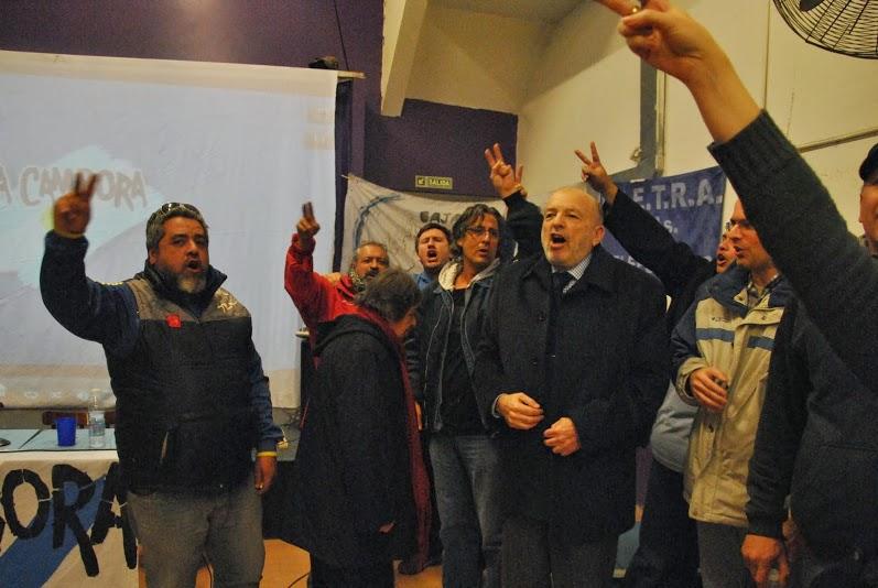La militancia homenajeó a Dardo Cabo