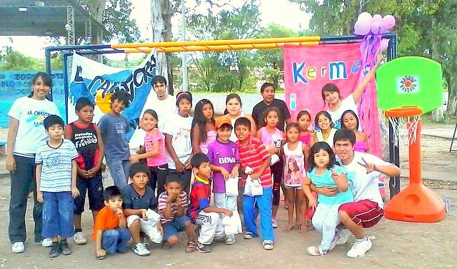 jujuy-localidad-de-la-mendieta-plaza-armada-argentina-kermes-infantil-16