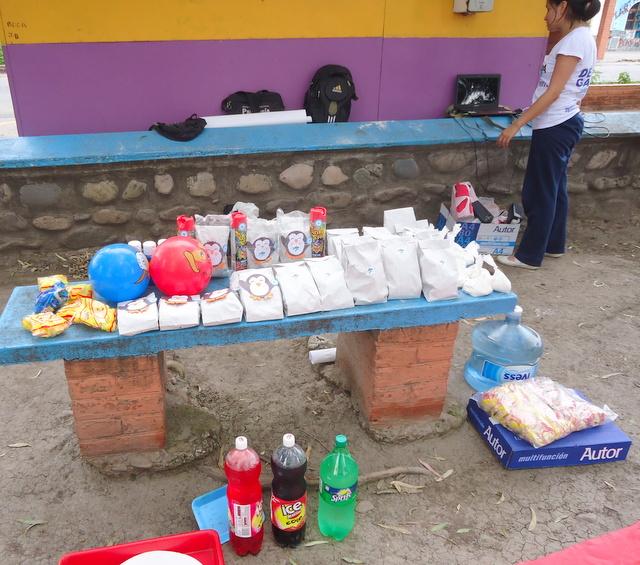 jujuy-localidad-de-la-mendieta-plaza-armada-argentina-kermes-infantil-3