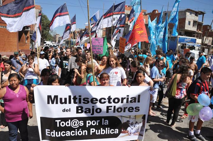 Caravana en Bajo Flores por la Educación Pública