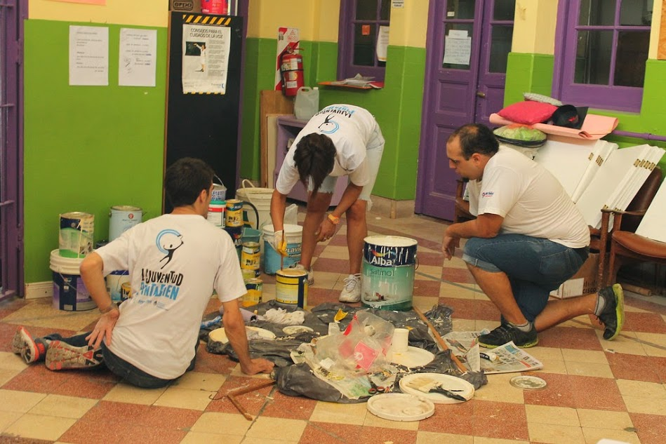 Los Jóvenes Pintan Bien: Jornada Solidaria en la Escuela Especial N°11 de Villa Urquiza