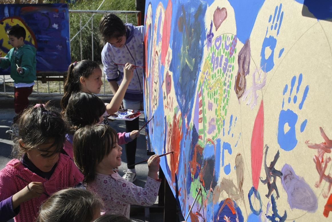 AVELLANEDA - Día del niño en Mujeres Argentinas y Güemes (38)