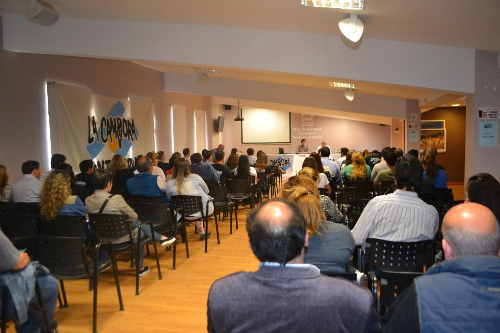 Charla debate en Rio Gallegos