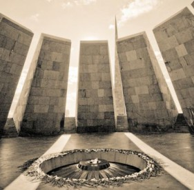 MonumentoGenocidioArmenio_ZdouneCC-BY-2_0_Flickr_230415