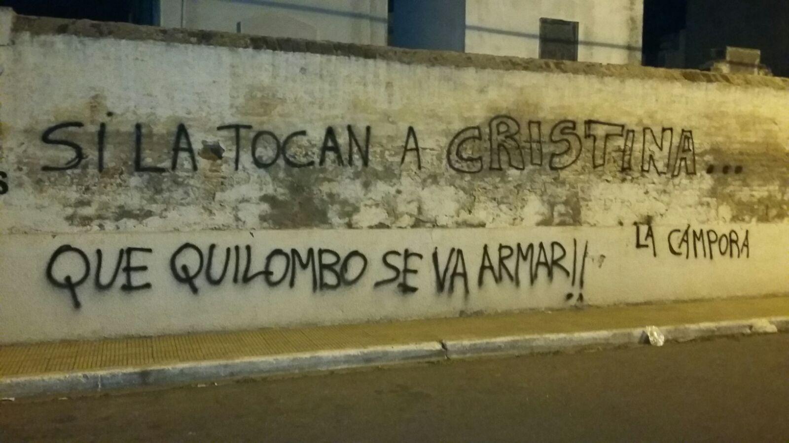 """San Luis, Pintadas """"Si la tocan a Cristina..."""""""