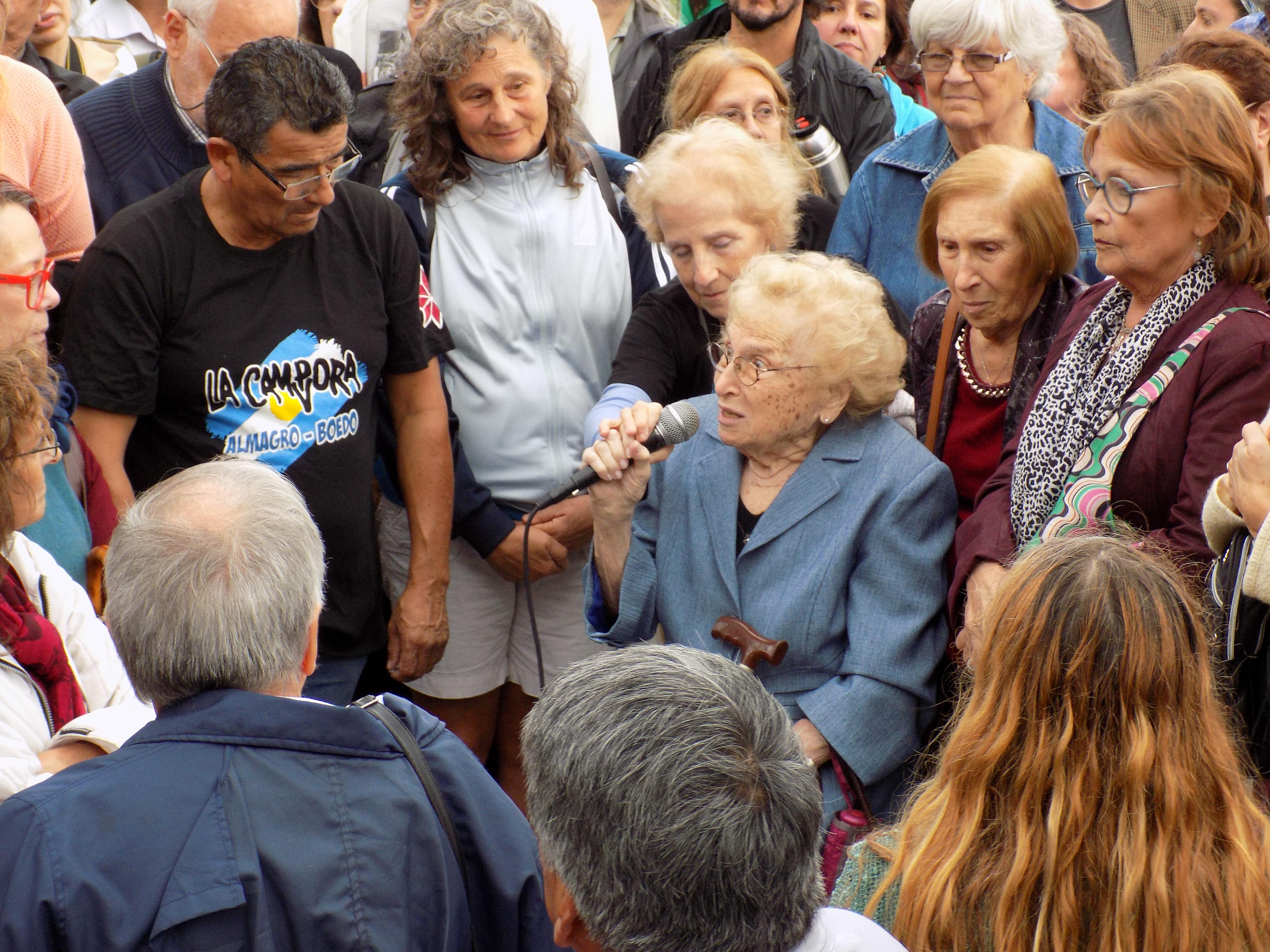 Rosa  ROISINBLIT mama de Patricia   ROISINBLIT, y vicepresidenta de abuelas de plaza de mayo