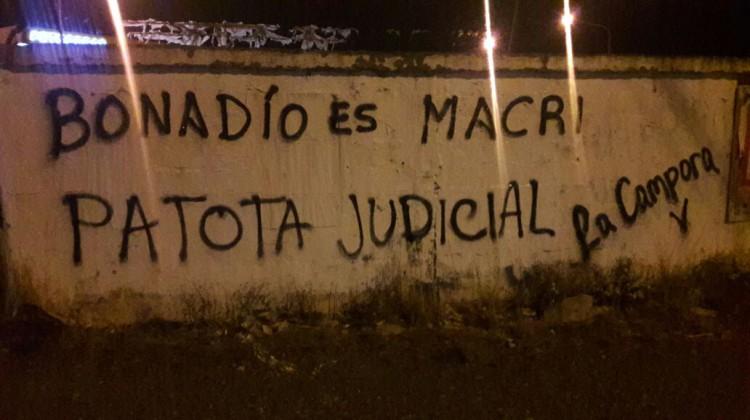 "Santa Cruz, Río Gallegos, Pintadas ""Patota Judicial"""