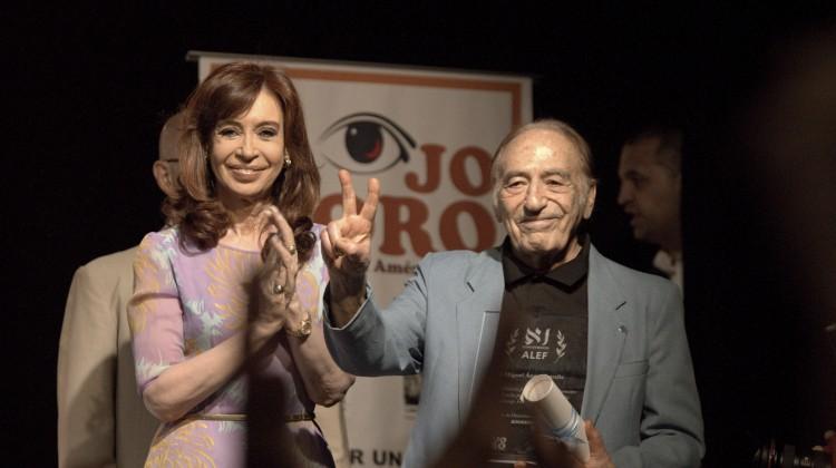 CFK-CCCarasyCaretas02