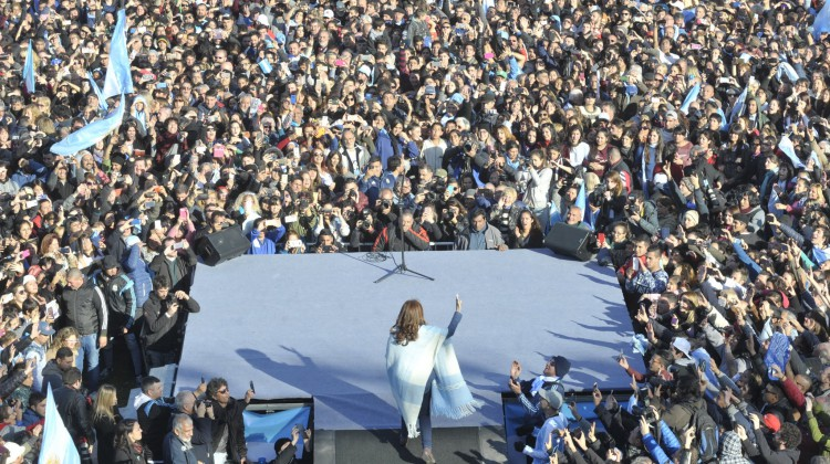 CFK-UnaParaTodos_Arsenal_02