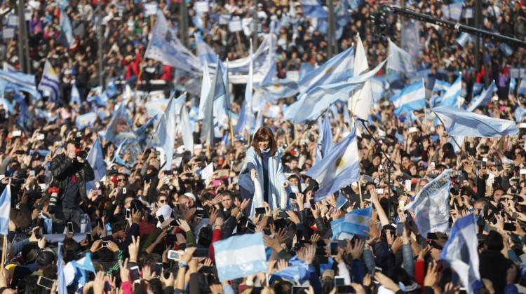 CFK-UnaParaTodos_Arsenal_05