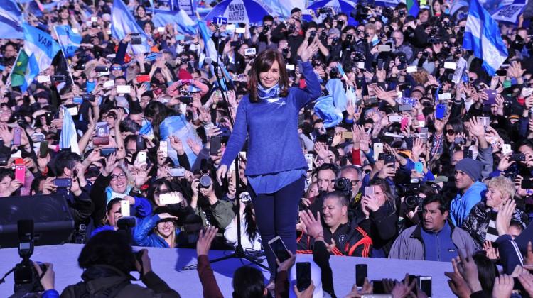 CFK-UnaParaTodos_Arsenal_09